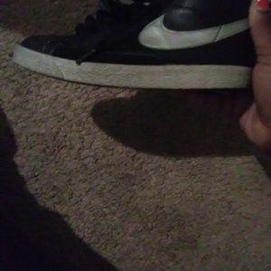 2Y Nike shoes